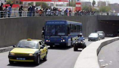 jeunes dans les transports publics