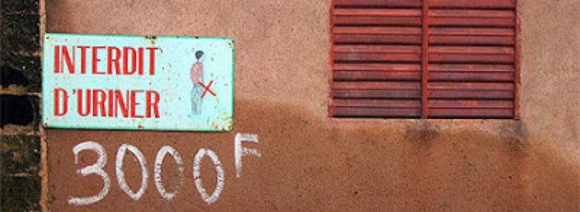 uriner dans la rue