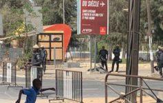 manifestations à Paris et à Dakar